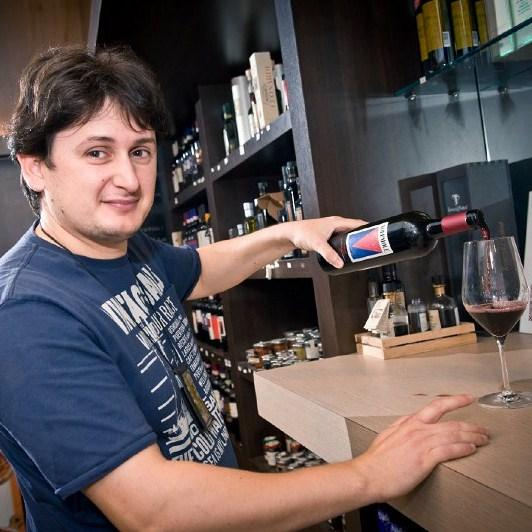 Gianmaria, the last drink for the road in Pisa Airport Wine Bar .